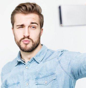 narcisista-tirando-selfie