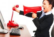 mulher-tentando-pedir-demissão