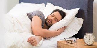 homem-na-procrastinação-dormindo