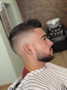 barba degrade aprende a fazer o estilo e inspira te nas imagens1 225x300 - Barba degradê: um novo estilo que está a conquistar homens por todo o Mundo