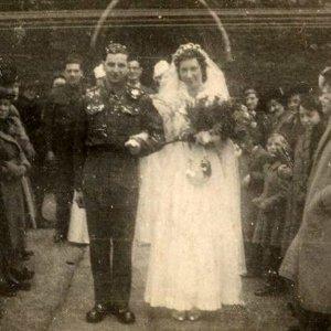 marido le diario para esposa com demencia para manter vivo o amor5 300x300 - Marido lê diário para esposa com demência para manter vivo o amor