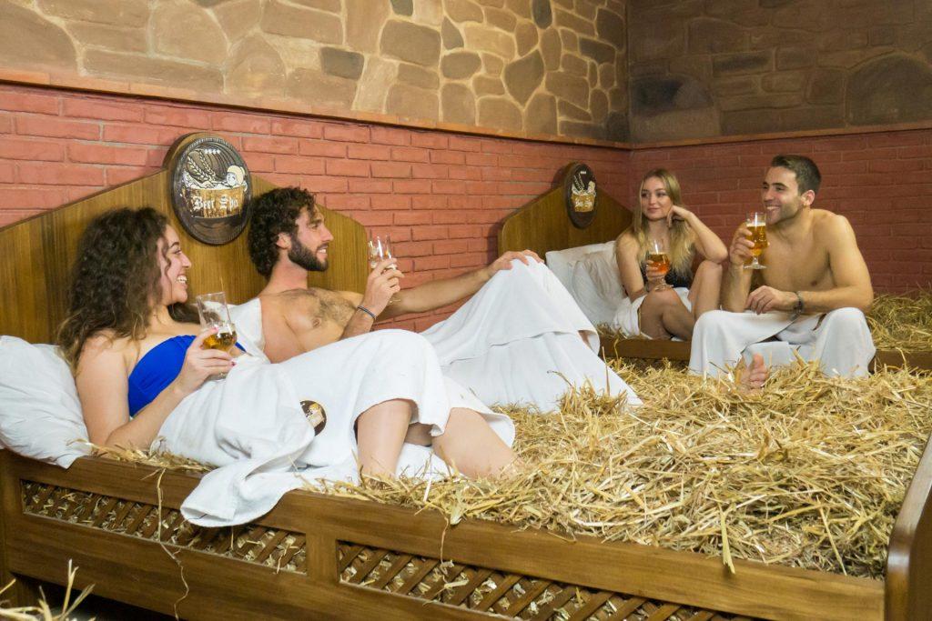 espanha cria spa de cerveja para amantes da bebida1 1024x683 - Espanha cria Spa de Cerveja para amantes da bebida