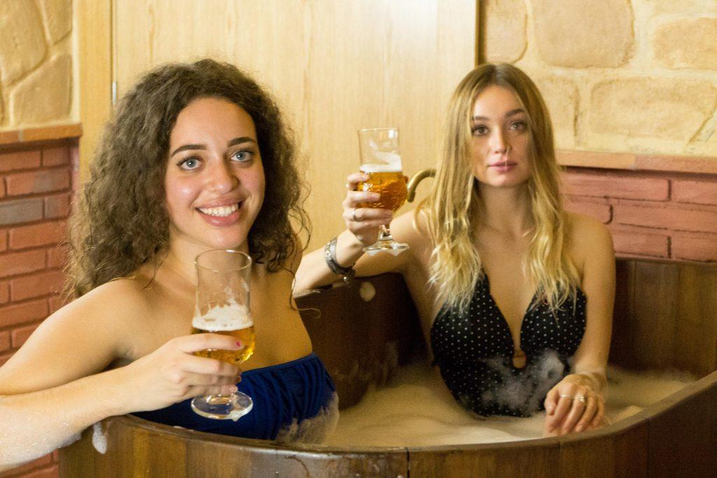 espanha cria spa de cerveja para amantes da bebida2 1024x683 - Espanha cria Spa de Cerveja para amantes da bebida