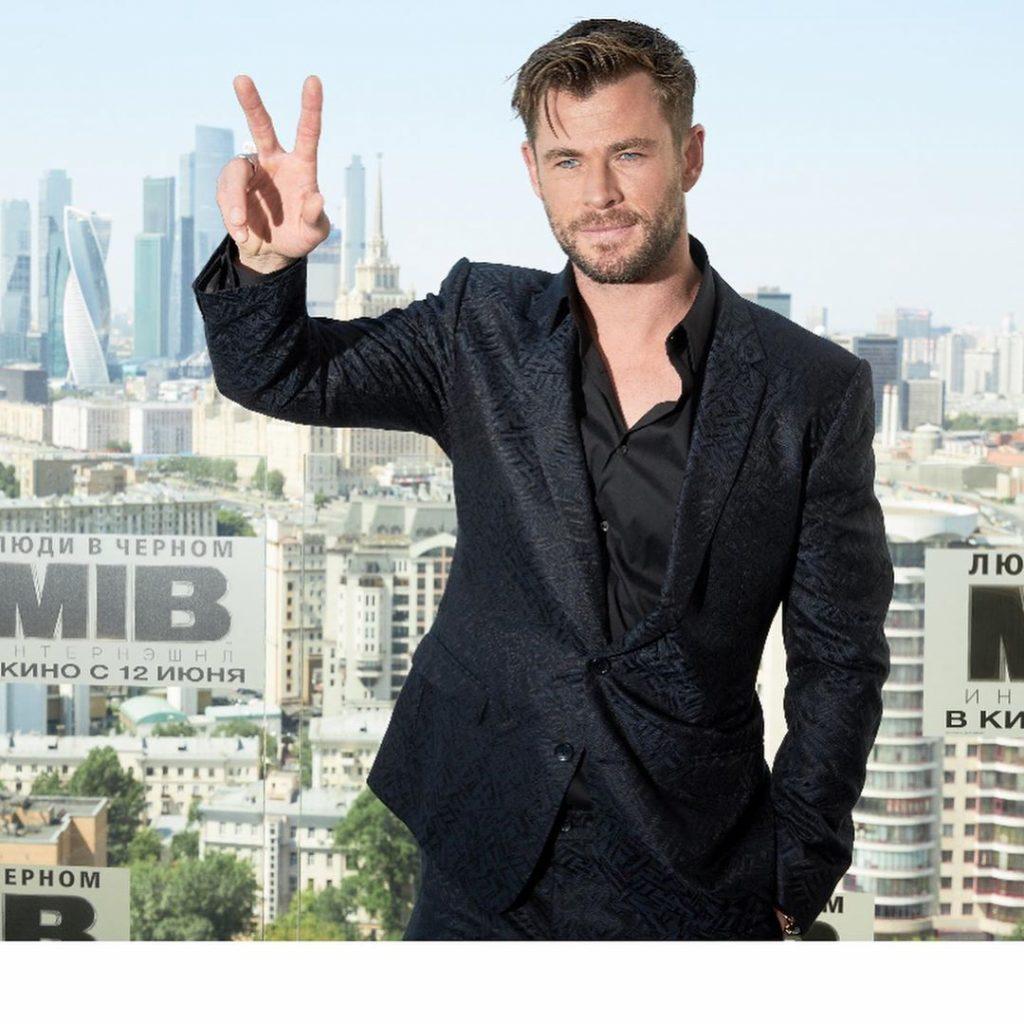 chris hemsworth doa r 4 milhoes para ajuda na australia1 1024x1024 - Chris Hemsworth doa R$ 4 milhões para ajuda na Austrália