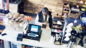 1 300x169 - Menina doa o dinheiro do seu aniversário para sem-teto que devolveu a carteira da avó